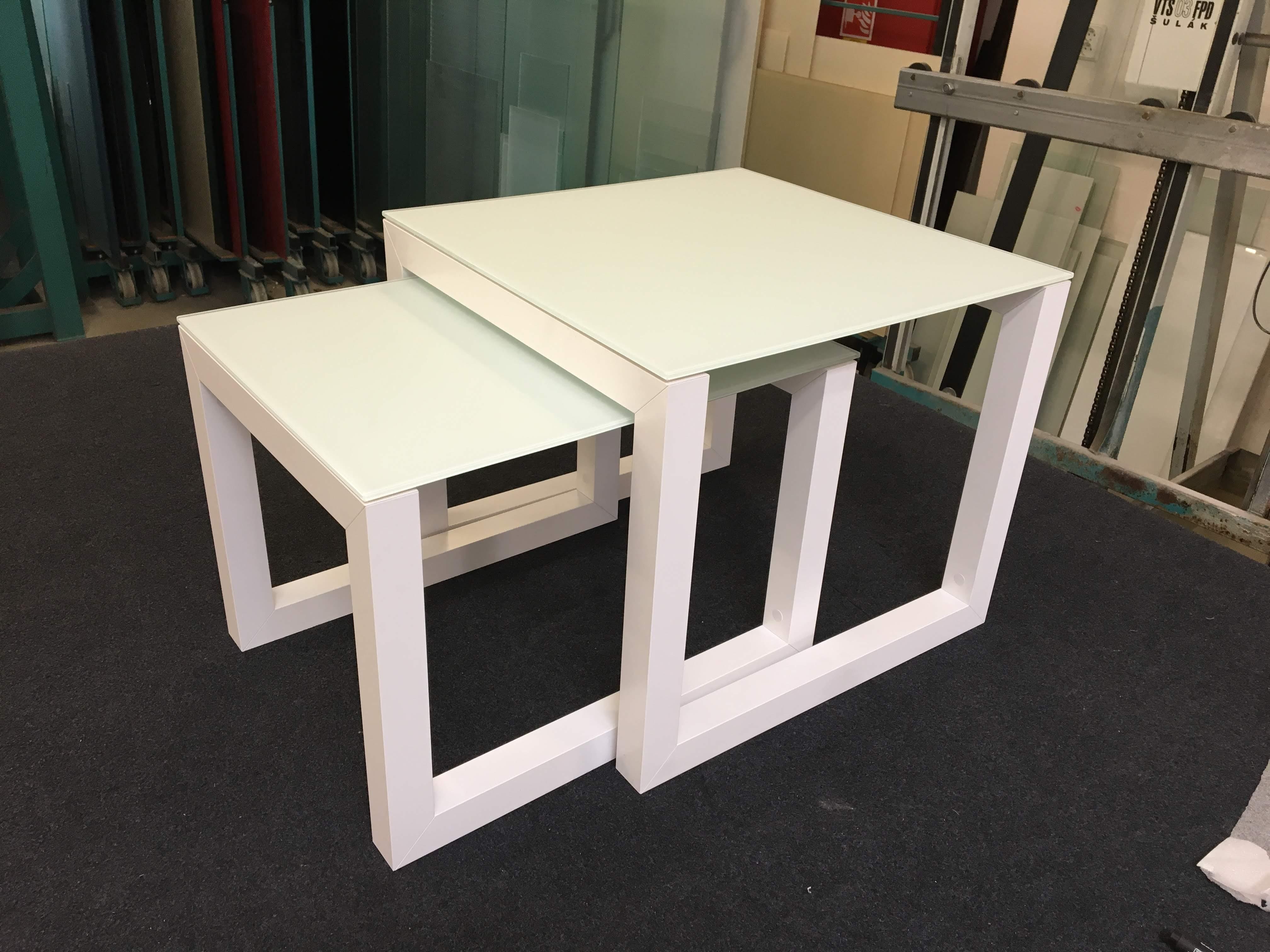 hliníkový konferenční stolek na míru, sestava dvou stolků Benevetti 05